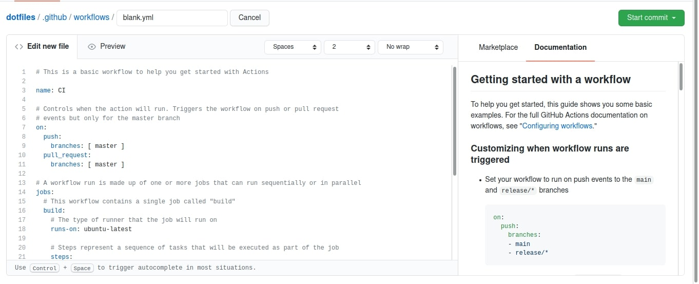 """Captura de tela da página para adicionar um novo workflow no meu repositório. No começo, há o caminho do arquivo que é """"dotfiles/.githug/workflows/blank.yml"""", em seguida, a tela é dividida em duas partes horizontais. À esquerda, temos um edito de texto com o conteúdo do nosso arquivo, e do lado direito, podemos ver a loja de workflows do Github e até uma documentação explicando o código direitinho. Há também um botão verde para iniciar um commit diretamente de dentro da plataforma"""